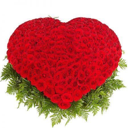 buket rzža u obliku srca